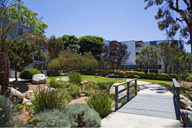 The grounds of Seascape 1